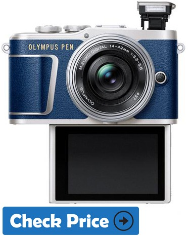 Olympus Pen E-PL9 best vlogging camera with flip screen